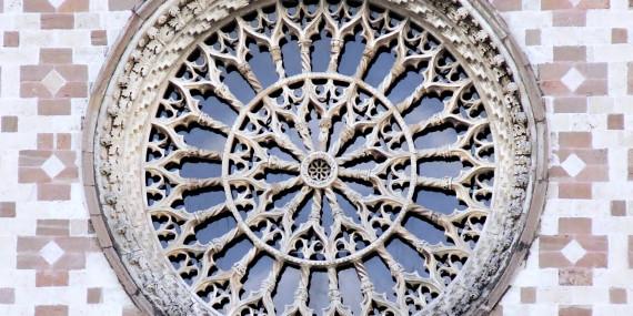 Oculus_Santa_Maria_Assunta_di_Collemaggio