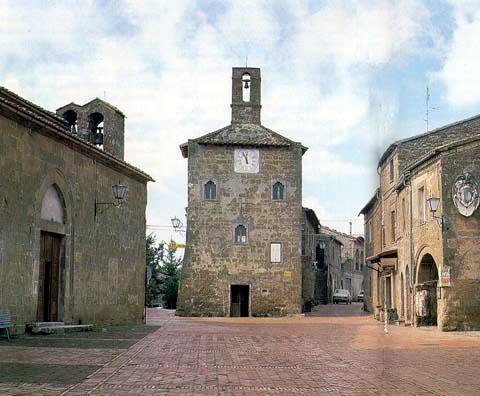 sovana_piazza_del_pretorio