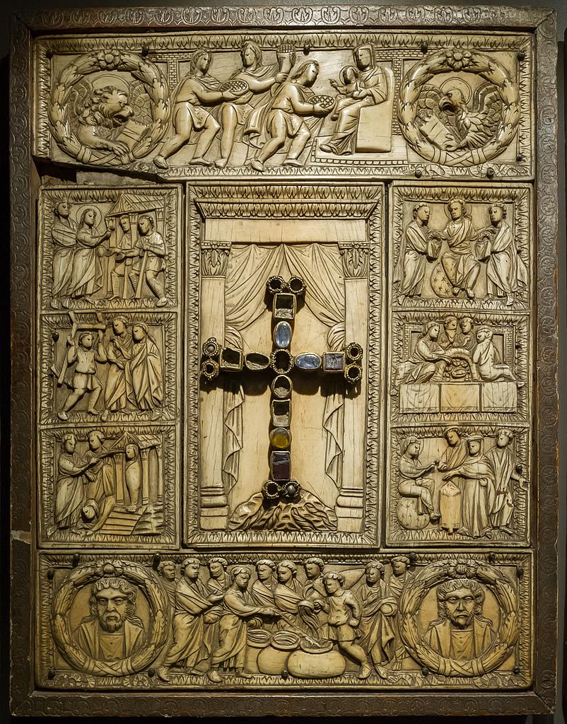 Copertura dell'evangelario nel Duomo di Milano
