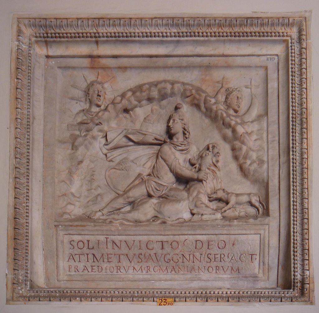 Mitra al centro e il Sol Invictus in alto a sinistra, Musei Vaticani