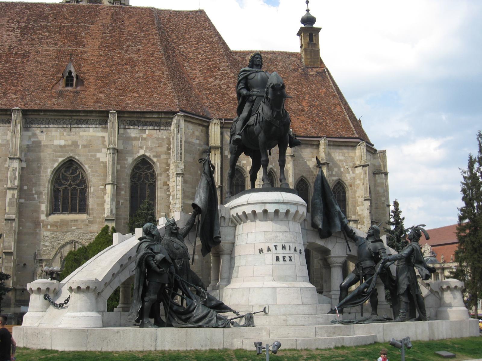 Il monumento di Mattia I a Kolozsvár