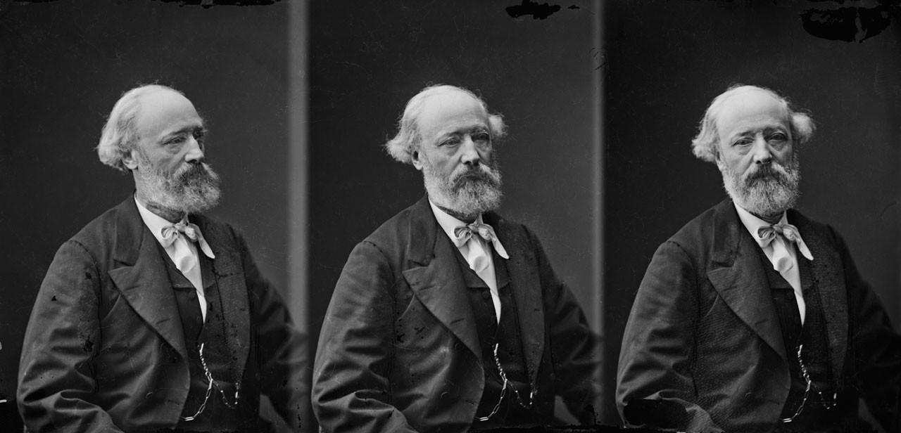 Viollet-le-Duc fotografato in tre pose diverse da Félix Nadar