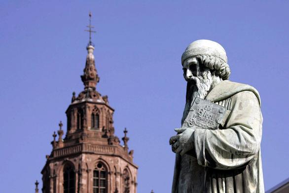La statua di Gutenberg a Magonza