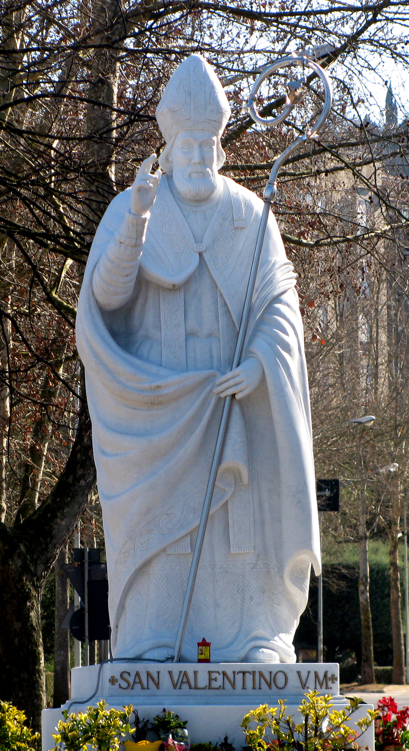 La statua di San Valentino, recente acquisto della città di Terni