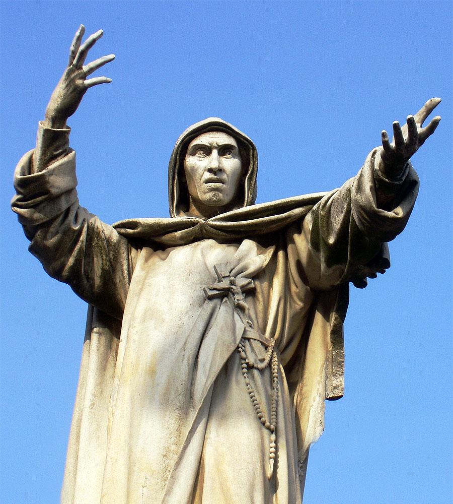 Statua di Girolamo Savonarola a Ferrara, nei pressi del Castello Estense