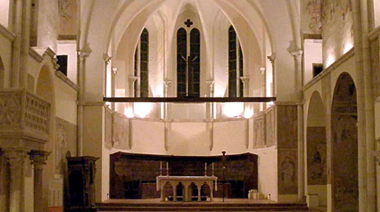 linterno-della-chiesa-monumentale-di-san-francesco