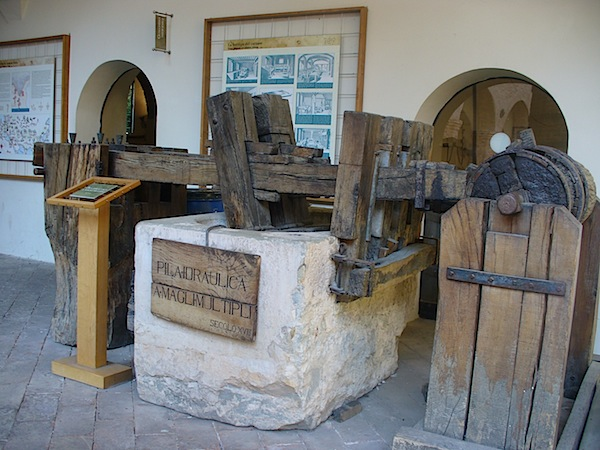 museo_carta_fabriano_pila_idraulica_secolo_xviii
